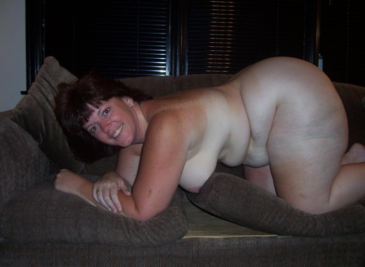Mature man sucks twink