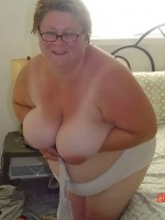 Amateur BBW Wife Post
