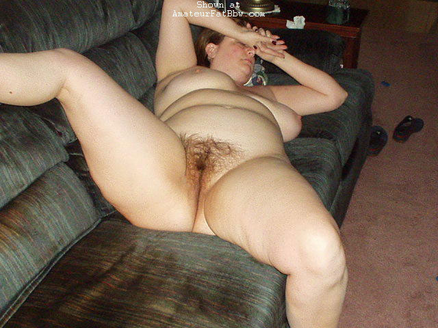 Goes! fat and hairy pussy