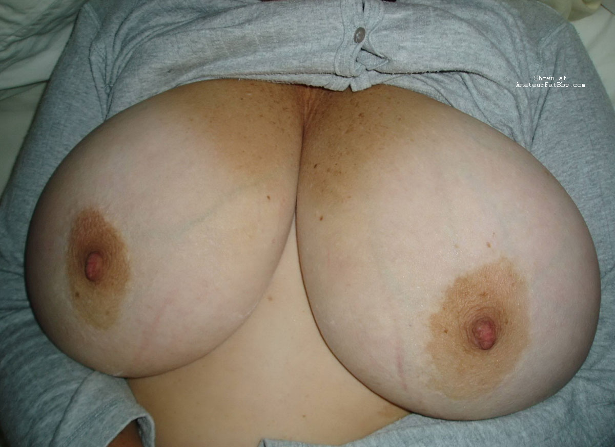 Could chubby fat boobs below correct
