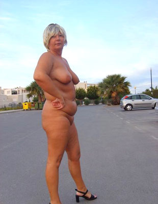 Mature BBW posing nude then gets rectal rammed in doggie and swap loads of guy gravy